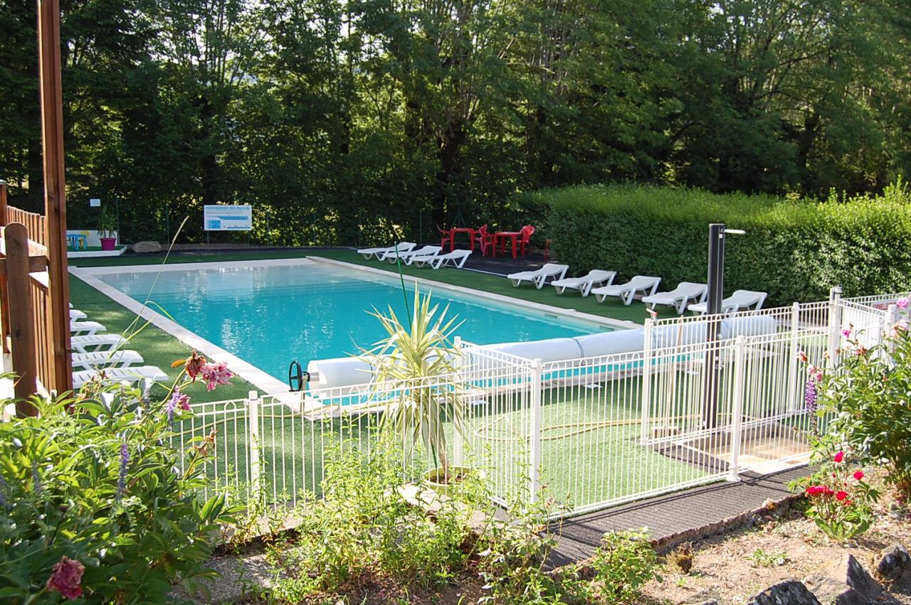 Camping les clarines camping cash for Cash piscine 81